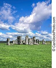 stonehenge, con, cielo drammatico, in, inghilterra