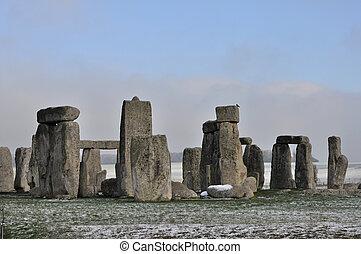 stonehenge, hiver