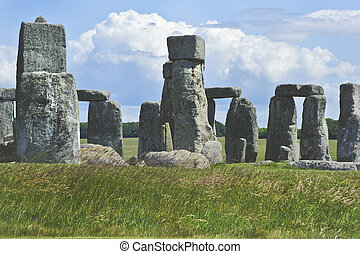 Stonehenge is aligned with the midsummer sunrise and...