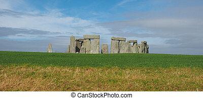 Stonehenge monument in Amesbury - AMESBURY, UK - CIRCA...