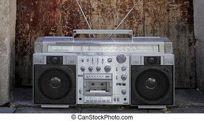 stopmotion, közül, egy, retro, lemezjátszó, ghettoblaster,...