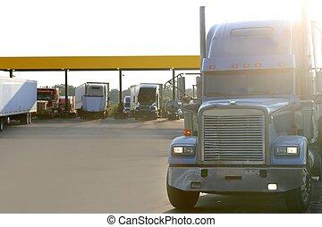 stor, amercian, lastbil, på, a, motorväg, hänrycka