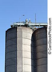 Storage silo