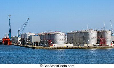 Storage tank silo's