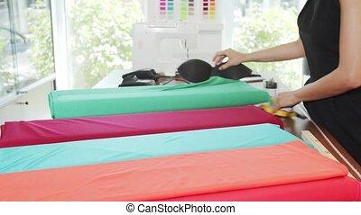 store., arrangement, ouvrier, tissus, rouleaux, textile