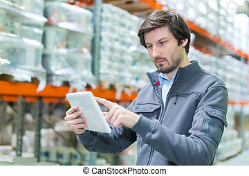 storeman, opmagasinere, goods, computer, checking, pc., tablet