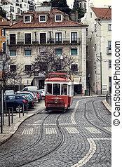 storico, tram, in, alfama, lisbona