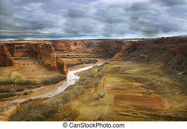 Stormy Canyon de Chelly