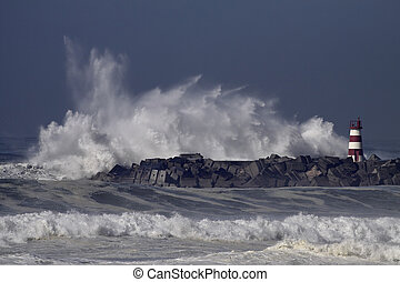 Stormy sea waves splash - Stormy waves splash. Povoa de ...