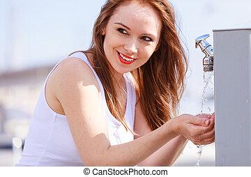 straße, trinkwasser, hahn, frau