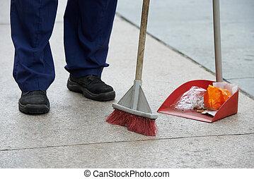 straat, poetsen, en, vegen, met, bezem