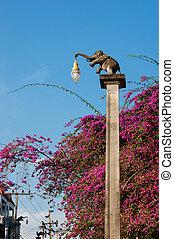 straatlantaarn, in, de, vorm, van, een, elefant, in, thailand
