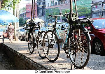 strada, vecchio, due, sentiero, editoriale, yangon., uso, soltanto, parcheggio, accanto, bicycles