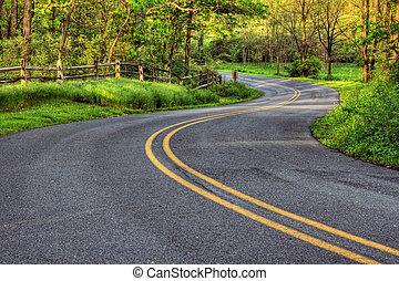 strada winding, paese
