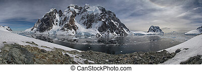 Strait between the Antarctic Peninsula and one of the islands in