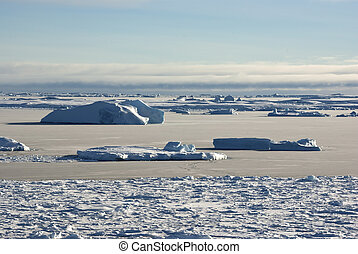 Strait between the islands of the Antarctic ice-covered and shugoy winter day.