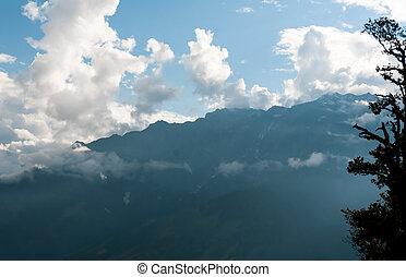 stralen, strijd, door, de, mist, in, bergen