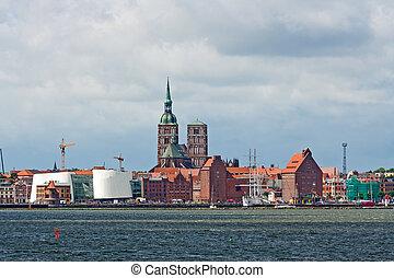 Stralsund panorama, St.-Nicolai-Church and the museum Ozeaneum, view from the Island R?gen, Strelasund