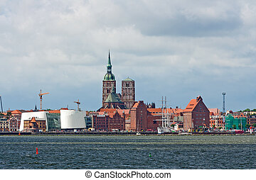 Stralsund, Sankt-Nikolai-Church, Ozeaneum, Harbor -...