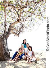 strand, aziatische familie