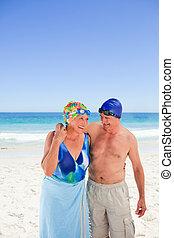 strand, par, äldre, lycklig