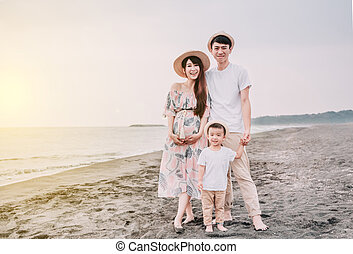 strand, solnedgång, familj, stående, lycklig, asiat