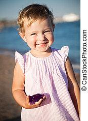 strand, spelend, kind