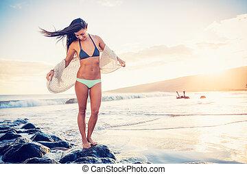 strand, vrouw, ondergaande zon