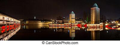 Strasbourg, distrito,  petite,  panorama, França,  ponts,  couverts