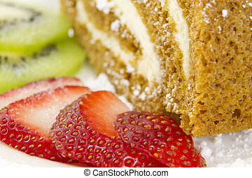 Strawberrie, Kiwi and Roulade - Strawberrie and Kiwi slices...