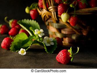 Strawberries (2) - Ftesh strawberries