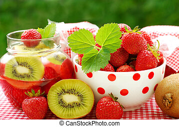 strawberry and kiwi preserves
