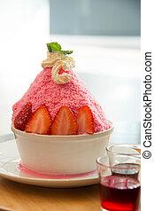 strawberry bingsu and cream ontop korean dessert