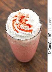 Strawberry milkshake with creme
