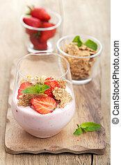 strawberry yogurt with cornflakes and mint