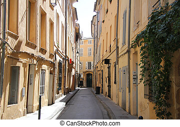 Street in Aix-en-provence - Plastered facades in traditional...