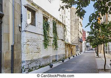 Narrow street on Vilagarcia de Arousa