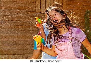 strid, flicka, gevär, hår, lek, lek, vatten, ansikte