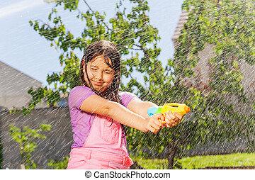 strid, flicka, gevär, hår, lek, våt, litet, vatten