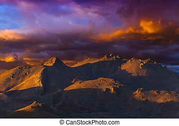 Striking Nevada landscape at sunset near Pyramid Lake, NV