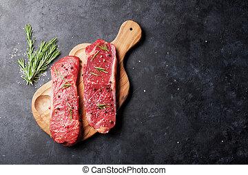 striploin, bistecca, crudo