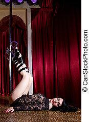 stripper, het liggen, toneel