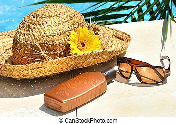stro hoed, bril, en, suntan lotion
