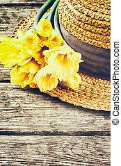 stroh, frühjahrsblumen, hut