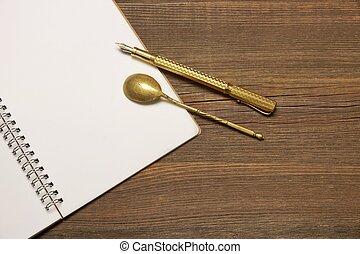 strona, pióro, notatnik, łyżka, drewno, czysty, stół