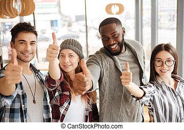 studenci, międzynarodowy, thumbing, do góry
