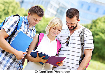 studenci, park, grupa, nauka