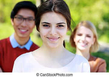 studenci, park, grupa, szczęśliwy