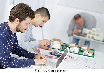 studenci, trening klasa, architektura