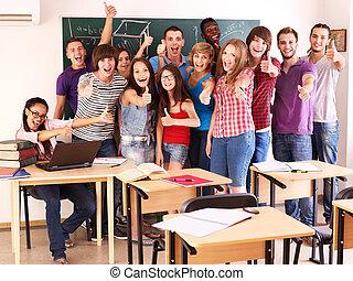 student, in, klaslokaal, dichtbij, blackboard.